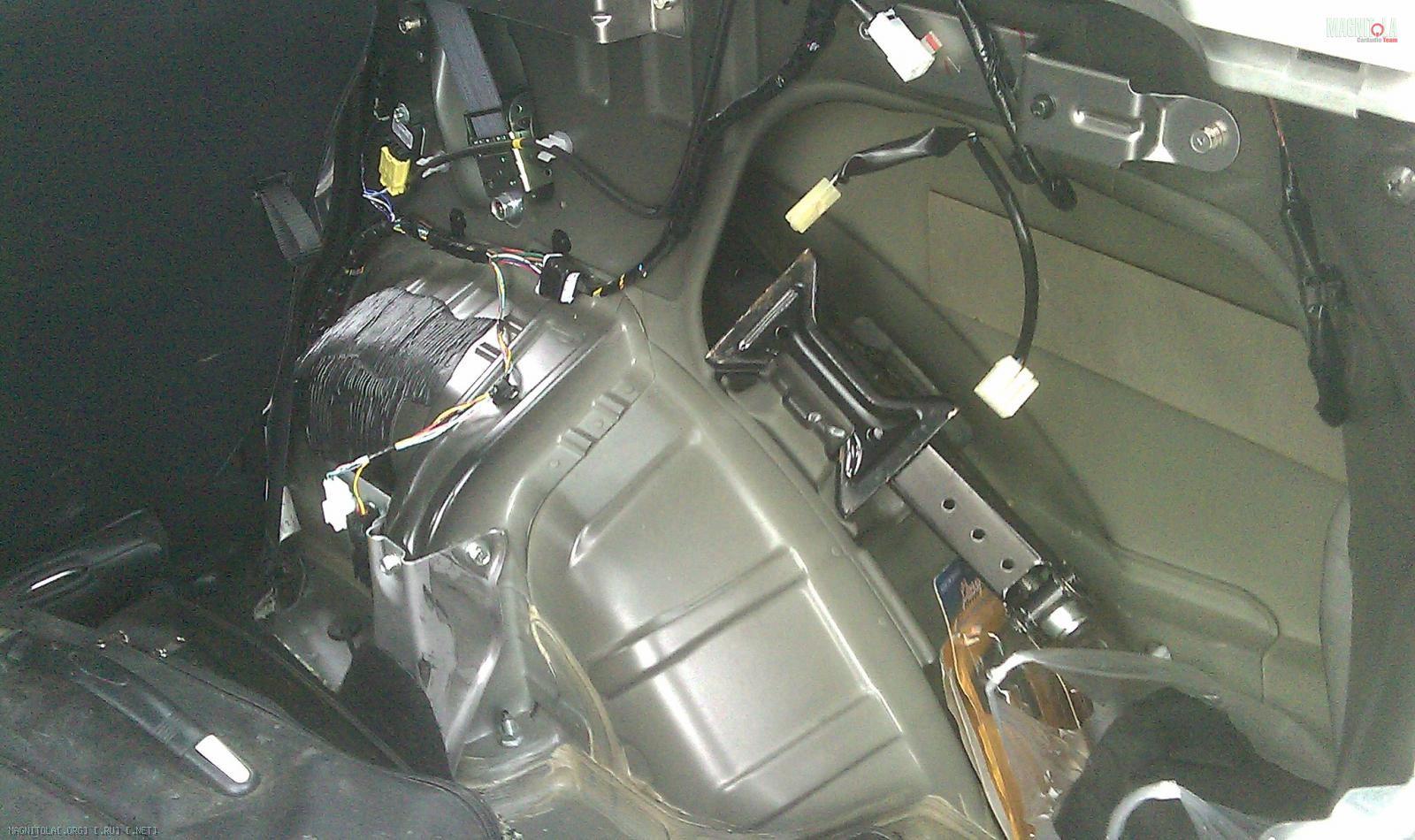 инструкция по установки штатной магнитолы мицубиси аутлендер