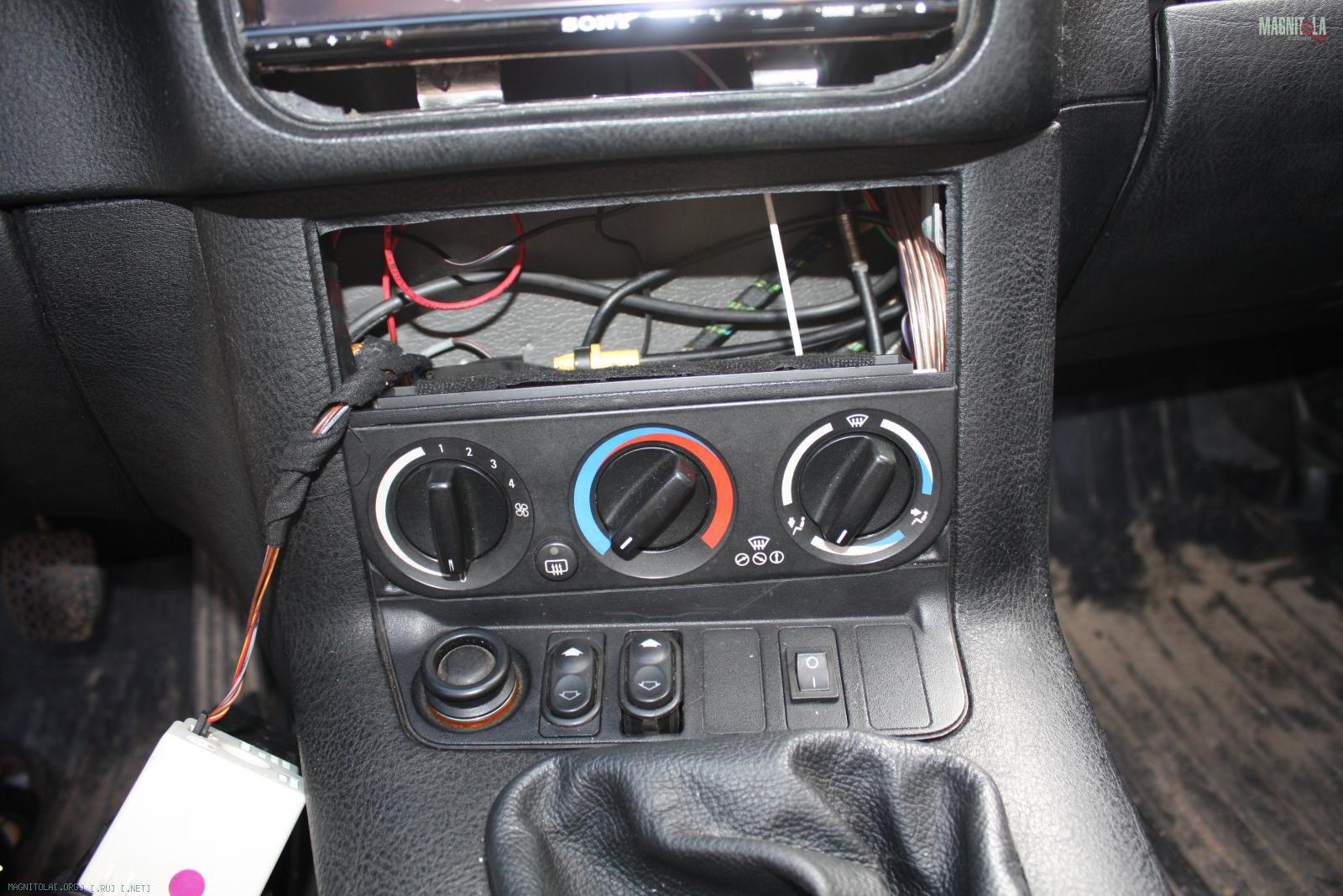 Замена передних тормозных колодок Форд Фокус 2, 3 Форд 2